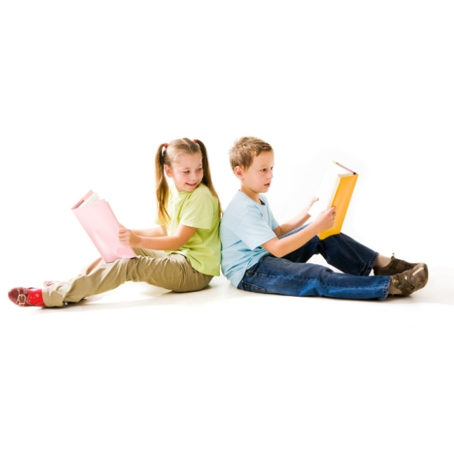 photo supporting child to read fluently
